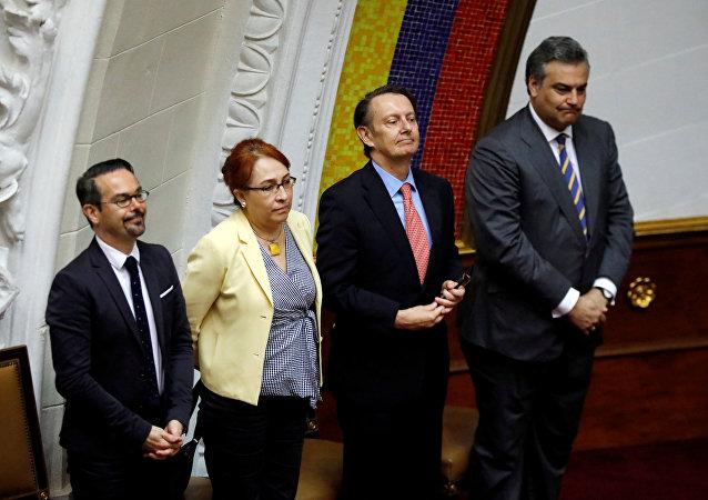 Los embajadores en Venezuela de Francia, México, Reino Unido y España