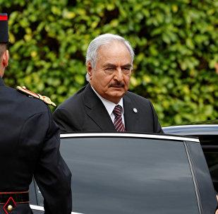 El comandante del Ejército libio, Jalifa Haftar (archivo)