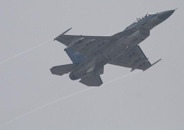 Un caza japonés F-2, posible portador de los misiles antibuque XASM-3