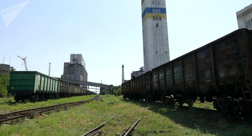 El ferrocarril en una mina en Donetsk (imagen referencial)