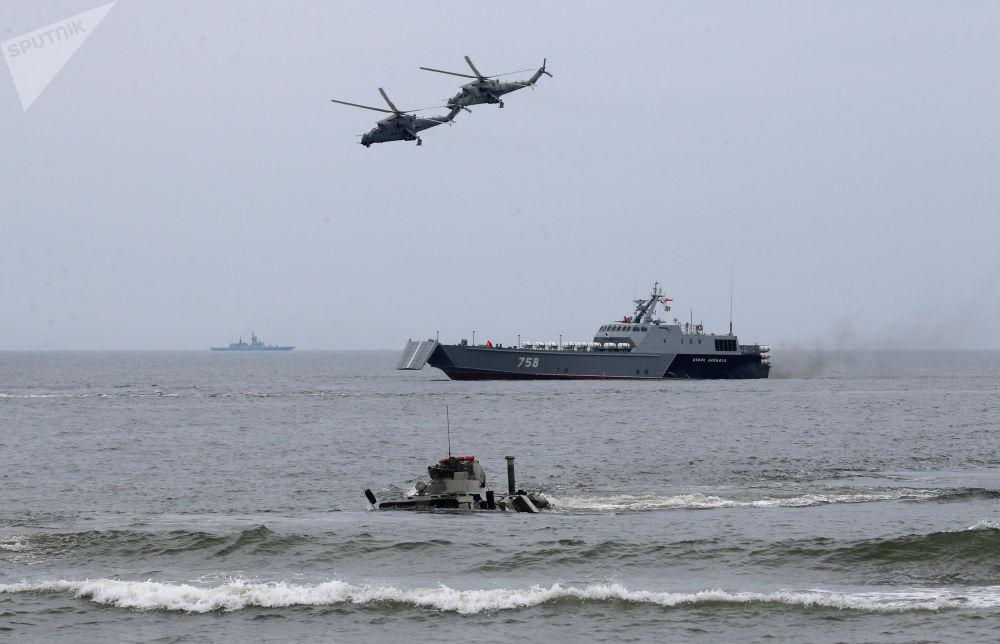 Ante la atenta mirada de la OTAN: maniobras de desembarco en Kaliningrado