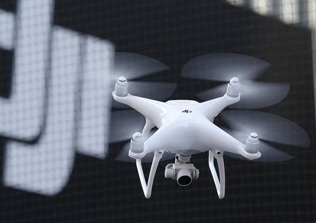 Un dron fabricado por la empresa DJI