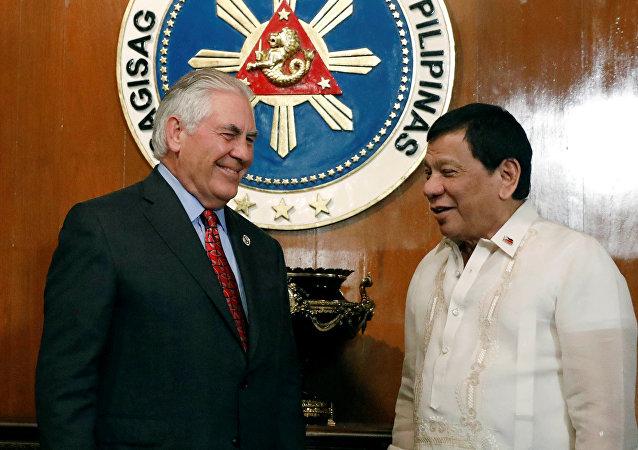 Secretario de Estado de EEUU, Rex Tillerson y presidente de Filipinas, Rodrigo Duterte