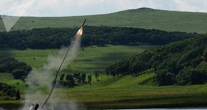 El aparato de desminado soviético UR-77 Meteorit (archivo)