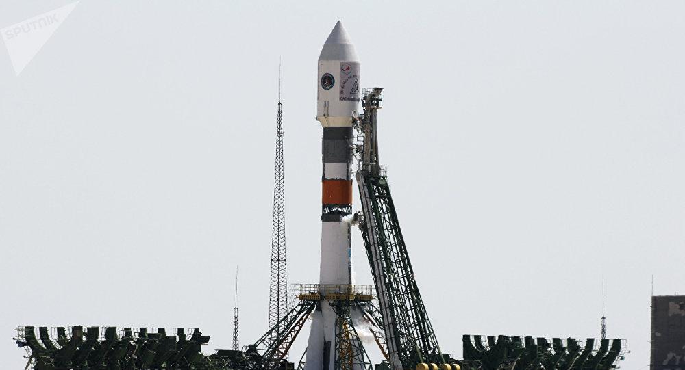 El lanzamiento del cohete Soyuz-FG con el satélite Kanopus-V a bordo