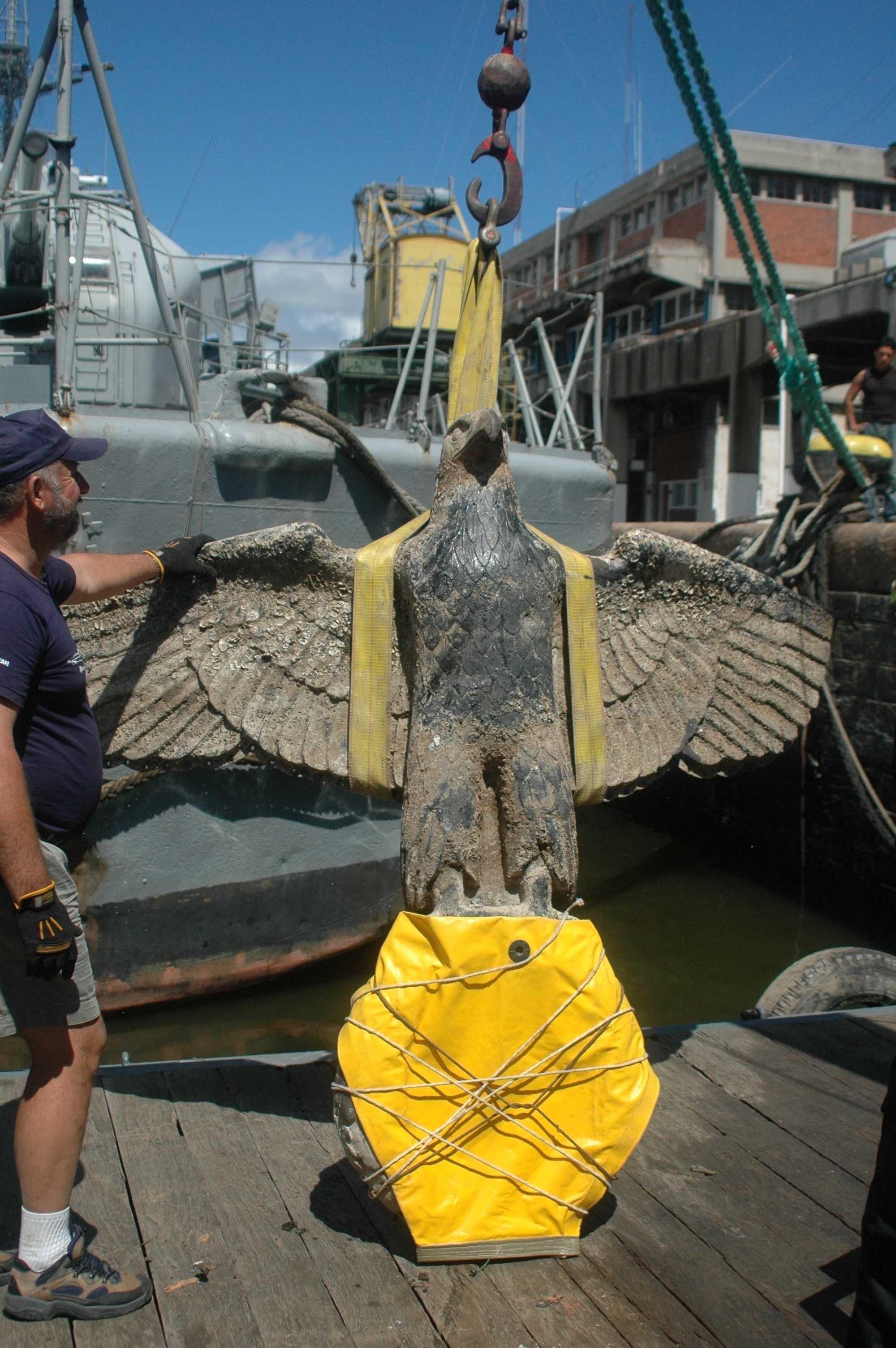 Rescate del águila nazi del buque Graf Spee
