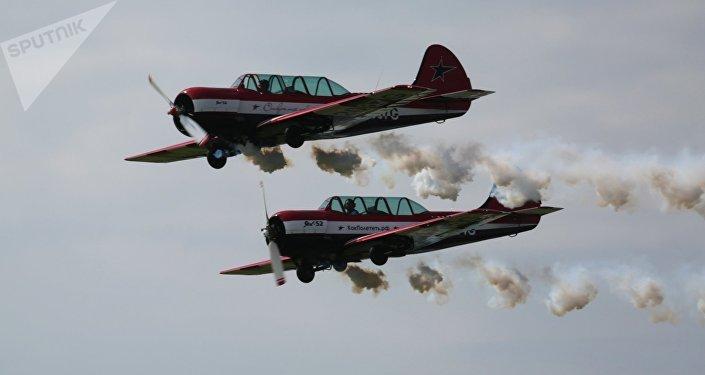 Los aviones Yak-52