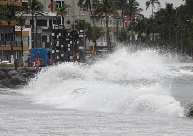 La llegada del huracán Franklin