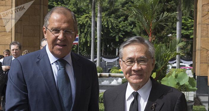 Ministro de Exteriores de Rusia, Serguél Lavrov, y ministro de Exteriores de Tailandia, Don Pramudwinai