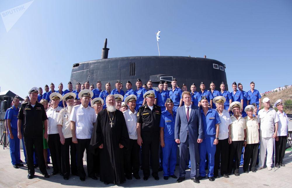 El comandante de la Flota rusa del Mar Negro, almirante Alexandr Vitko, y el gobernador interino de la ciudad de Sebastopol, Dmitri Ovsiánikov