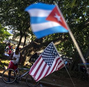 Las banderas de Cuba y EEUU (archivo)