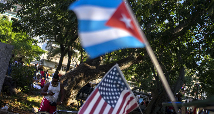 Las banderas de Cuba y EEUU