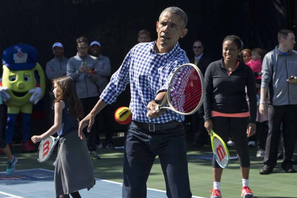 El expresidente de EEUU, Barack Obama, durante un partido de tenis