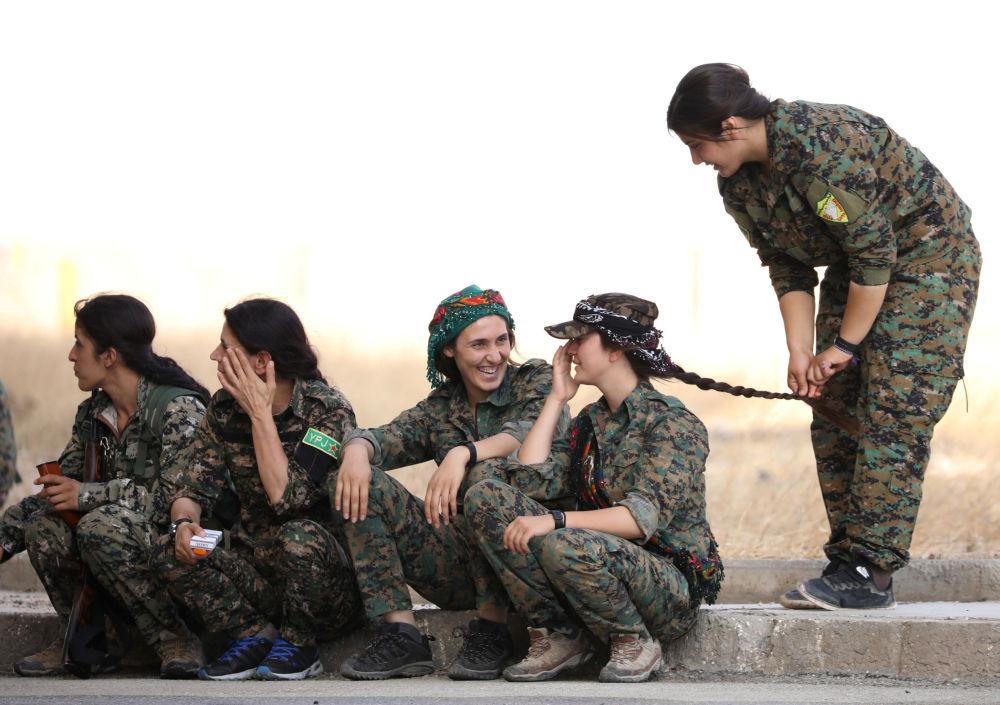 Las mujeres soldado de las Fuerzas Democráticas de Siria