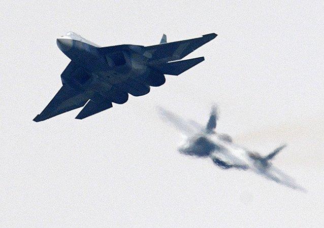 Un caza de quinta generación ruso Su-57 en el salón aéreo MAKS-2017