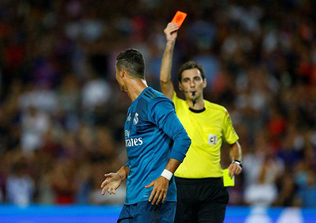 Cristiano Ronaldo, el delantero de Real Madrid, en el momento de su expulsión
