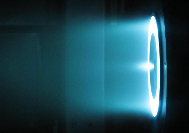 Un motor iónico a efecto Hall