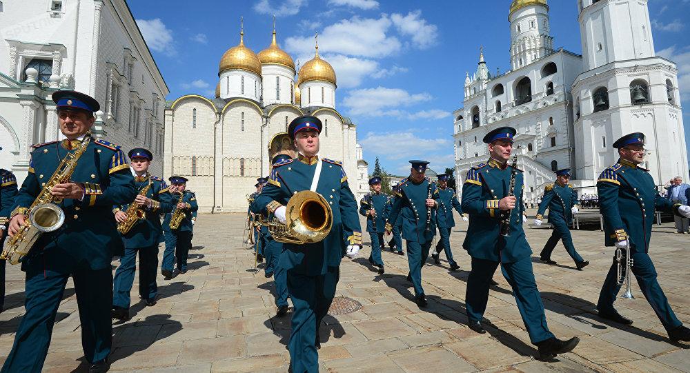 Preparaciones para el festival Torre Spásskaya
