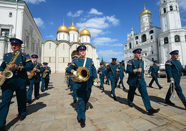 Preparaciones para el festival Torre Spásskaya (archivo)