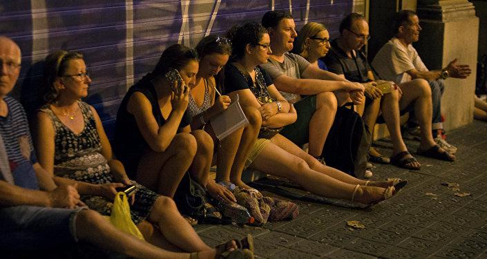 La gente en Las Ramblas en Barcelona tras el atentado