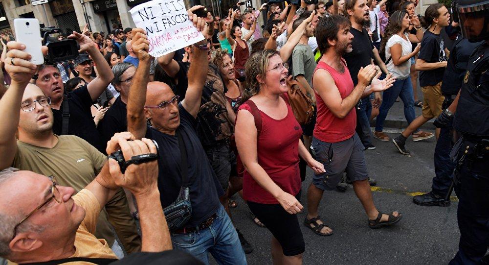 Contramanifestantes en Barcelona