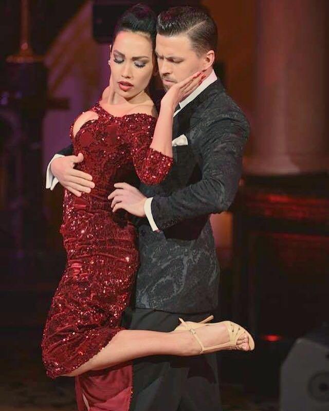 Dmitry Vasin y Sagdiana Khamzina, bailarines rusos primeros en la clasificatoria de tango escenario en el Mundial de Tango 2017 en Buenos Aires.