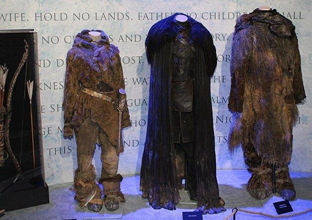 Vestuario de personajes de la serie Game of Thrones en una exposición