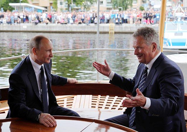 El presidente ruso, Vladímir Putin, con su homólogo finlandés, Sauli Niinisto, durante la visita de trabajo