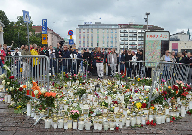 Homenaje de las víctimas del atentado en la ciudad Turku, Finlandia