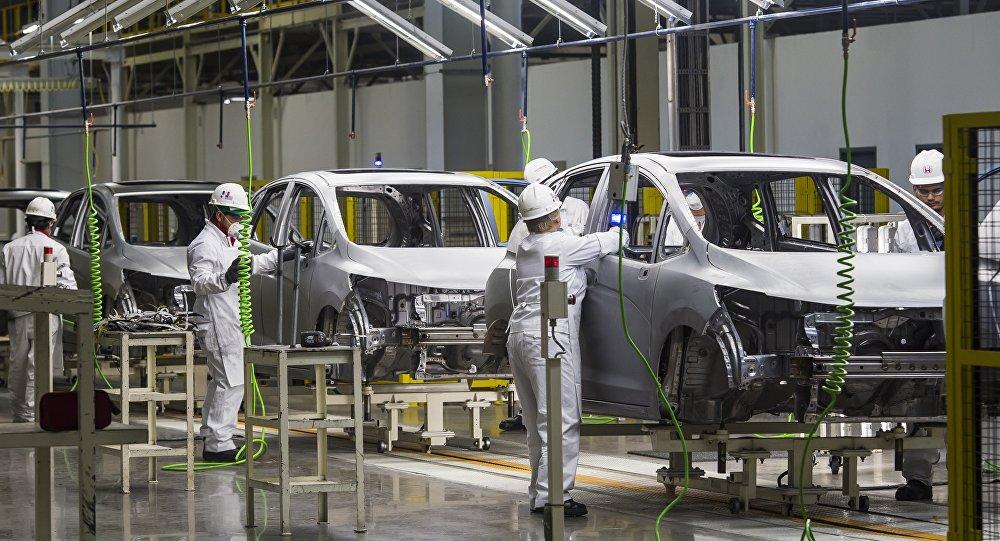 Fabrica de coches en México (archivo)