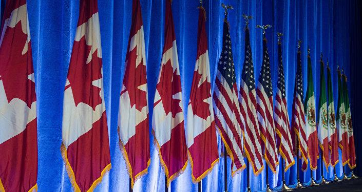 Las banderas de Canadá, EEUU y México (archivo)