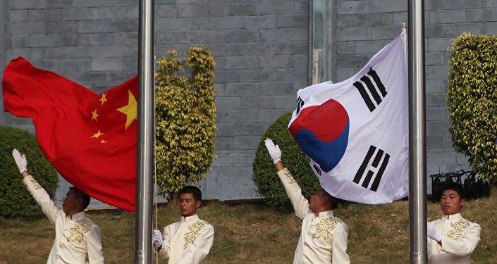 Banderas de China y Corea del Sur