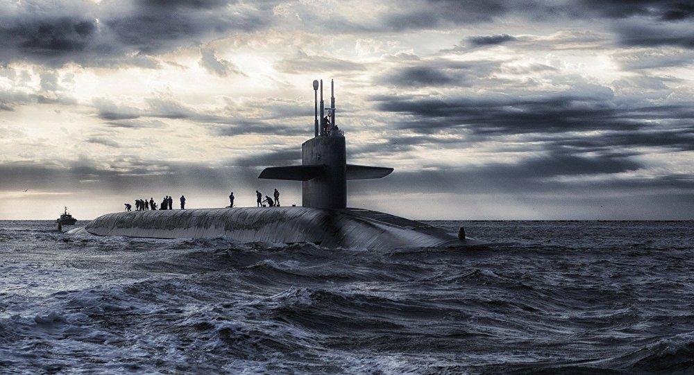 España construyó un submarino que no cabe en su muelle