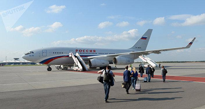 Avión Il-96