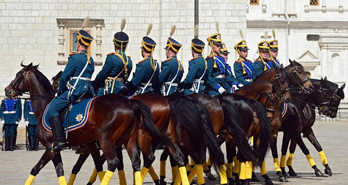 La Escolta de Caballería de Honor del Regimiento Presidencial de Rusia durante el entrenamiento