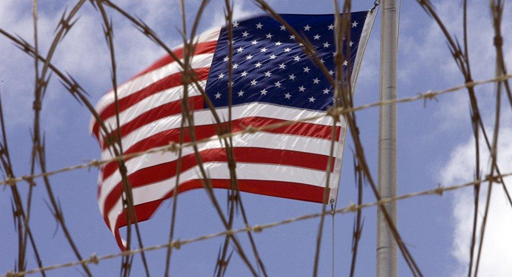 La bandera de EEUU en la base militar de Guantánamo