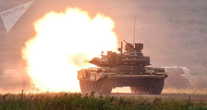 Un tanque ruso T-90, foto de archivo