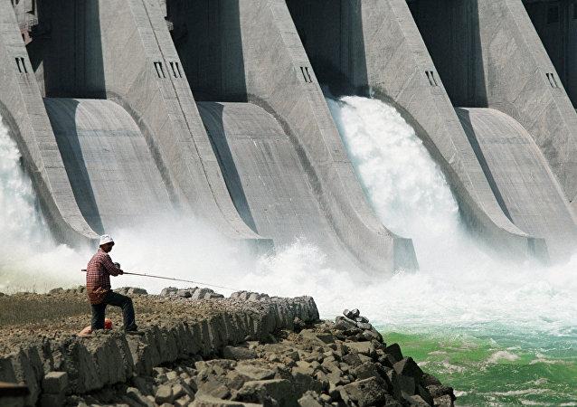 Сentral hidroeléctrica (archivo)