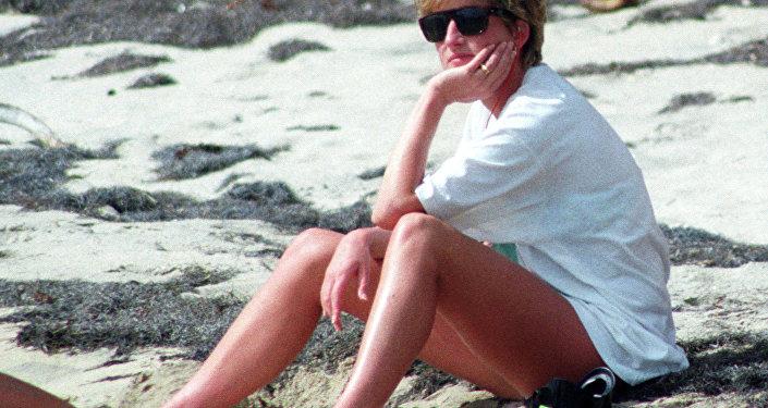 Princesa Diana relajando en la isla caribeña de Nevis el 4 de enero de 1993.