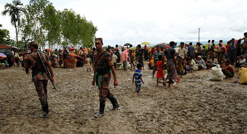 Los refugiados rohingyas y la guardia fronteriza en Bangladés