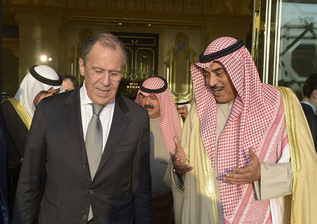 El canciller ruso, Serguéi Lavrov y su homólogo kuwaití, Sabah Jaled Al Hamad Al Sabah
