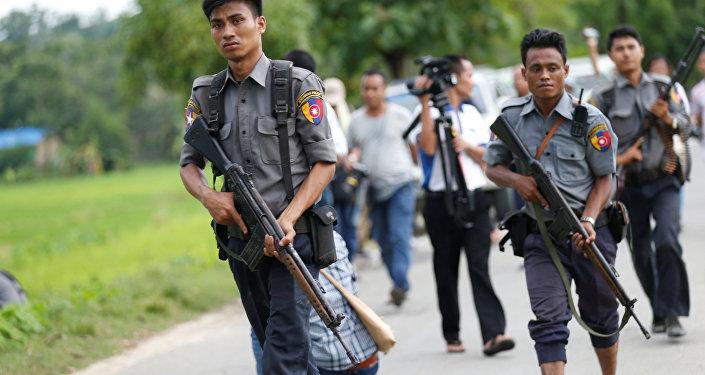 La policía de Birmania