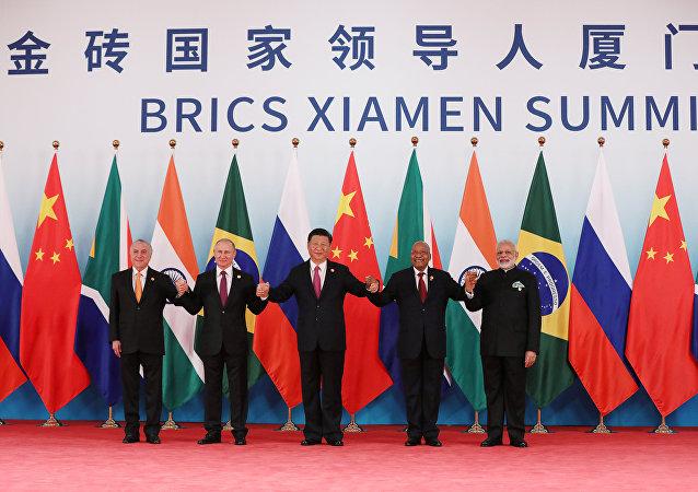 Los líderes de los BRICS: Michel Temer, Vladimir Putin, Xi Jinping, Jacob Zuma y Narendra Modi