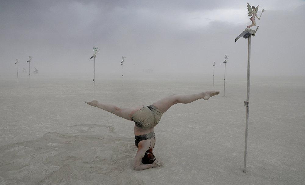 Burning man: así es el festival que está de moda en el mundo