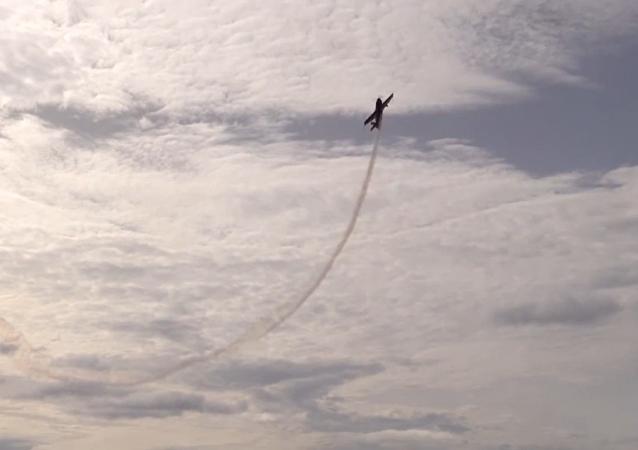 Piloto más condecorado de Rusia muestra su increíble talento