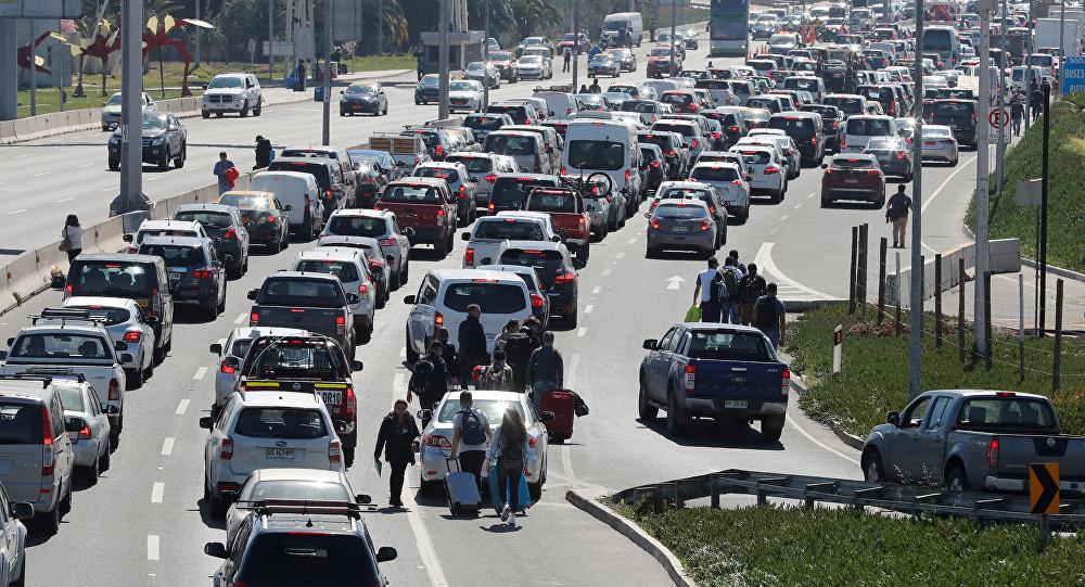 Chile: un turista murió atrapado en una protesta de taxistas