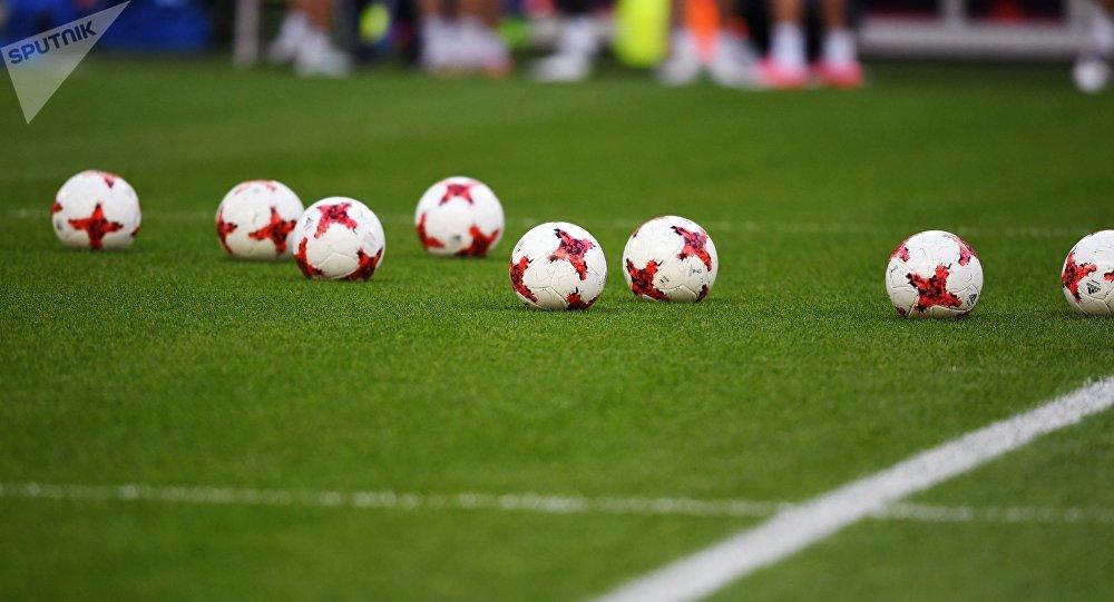 Balones de fútbol (imagen referencial)