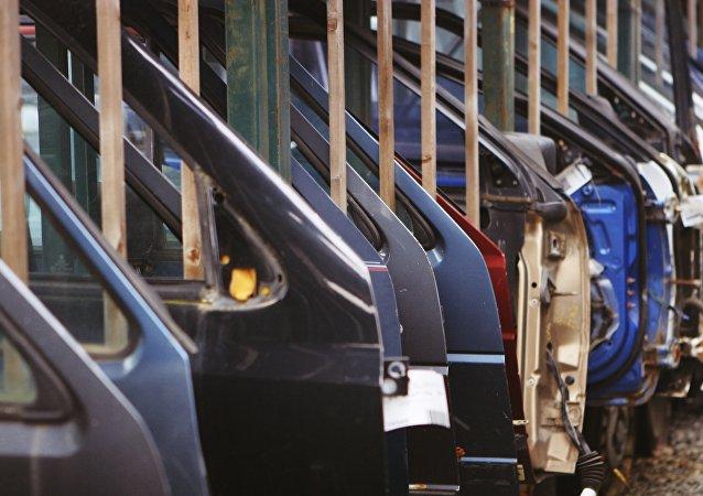 Fábrica de coches (imagen referencial)