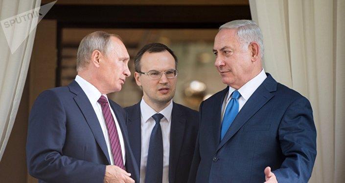 Vladímir Putin, presidente de Rusia, (izda.) y Benjamín Netanyahu, primer ministro de Israel (drcha.)