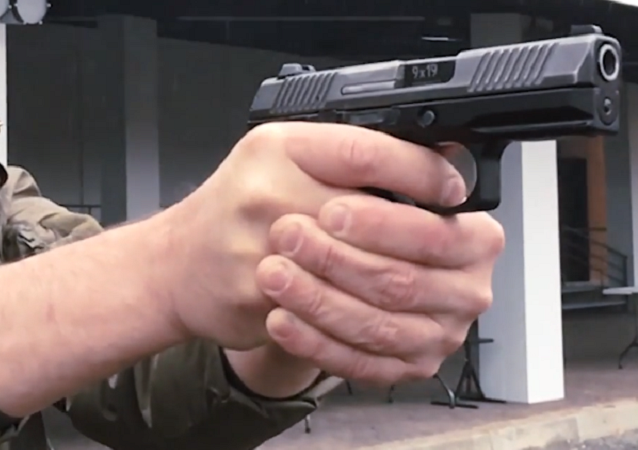 La pistola Lebedev PL-15